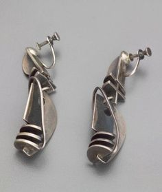 Earrings    Ed Wiener, c 1949.  Silver Nice Jewelry, Silver Jewellery, Modern Jewelry, Jewelry Art, Vintage Jewelry, Silver Drop Earrings, Jewel Box, Designer Earrings, Wiccan