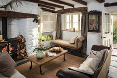 Charming english cottage offers a fairytale getaway country cottage living Cottage Living Rooms, Cottage Interiors, Living Room Furniture, Living Room Decor, Cottage Porch, Cottage Style, Salons Cottage, Cottages Anglais, Cottage Names