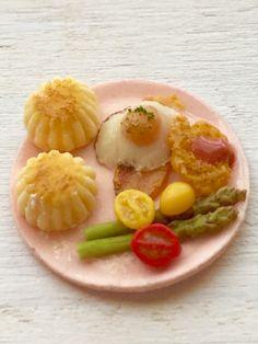 ドールハウス☆ミニチュア☆お花型スコーンのモーニングプレート