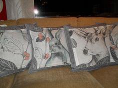 Tyynyt: tyttären verhoista jäi kangasta ja niistä tehty tyynyt valmiisiin tyynynpäällisiin.