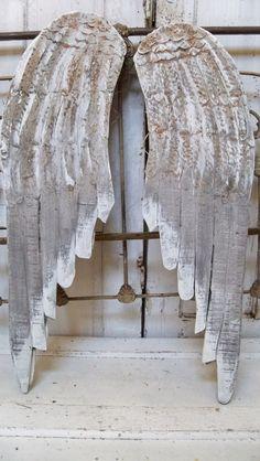 Ángel de madera grandes alas pared escultura blanco gris agobiados metal decoración hogar Anita Spero talladas a mano