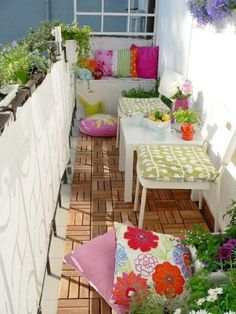 53 Mindblowingly Beautiful Balcony Decorating Ideas to Start Right Away homesthetics.net decor ideas (10)