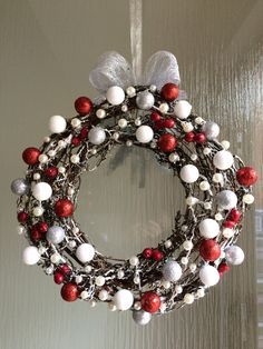 Ornament Wreath, Ornaments, Advent, Christmas Wreaths, Crafty, Holidays, Holiday Decor, Winter, Diy