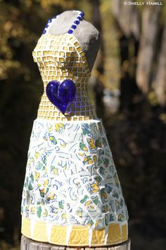 International mosaic artist specializing in mosaic dress sculptures and mosaic portraits. Sculptures For Sale, Cabo San Lucas, Leo, Mosaic, Mexico, Portrait, Gallery, Artist, Beautiful
