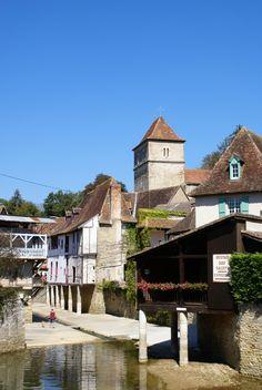 Salies-de-Béarn, célèbre pour son sel et ses thermes ©OTBDG-Guilbot