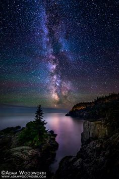 Adam Woodworth Photography captured a spectacular view of the Milky Way and air glow from Lubec, Maine this week! Night Photography, Nature Photography, Landscape Photography, Photo Ciel, Cool Pictures, Beautiful Pictures, Sky Full Of Stars, To Infinity And Beyond, Beautiful Sky