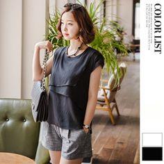 Korea womens shopping mall [JOAMOM]Tian Chiffon Blouse / Size : FREE / Price : 29.84 USD #koreafashionshop #daily #koreafashion #blouse #loosefit #tops #patternblouse