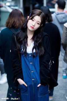 - Naver X Dispatch in Japan for YOLO Jacket Photoshoot Kpop Girl Groups, Korean Girl Groups, Kpop Girls, Cute Asian Girls, Beautiful Asian Girls, Japanese Fashion, Korean Fashion, Mamamoo, Snsd