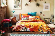 Urban outfitters bedroom - Which has nomadic spirit, it also has to surf the Internet. So I found, among the shops online decoration, Urban Outfitters for Decor, Bedroom Inspirations, Home Bedroom, Bedroom Design, Room Inspiration, Interior, Bedroom Decor, Home Decor, Room Decor