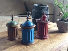 Gamle spanske kaffekværne i fantastiske farver sælges.  #kaffekværn#køkken#nordiskdesign#vintage#vintagemøbler#interiør#boliginteriør#genbrug#møbler#genbrugsmøbler#antik#landstil#fransklandstil#nordisklandstil#antik#loppefund#genbrugsmaterialer#handcrafted#furniture#gamleting#ideer#handmade#brocante#fransklivsstil#tilsalg#sælges#sommer#garden#have#yttilnyt by rawnordicdesign