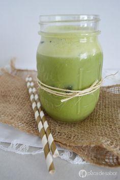 Leche verde poderosa (sin lácteos, con superfoods y deliciosa) | http://www.pizcadesabor.com