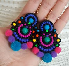 biżuteria soutache, haft koralikowy, torby z filcu: Handmade Beaded Jewelry, Handmade Jewelry Designs, Handmade Necklaces, Diy Jewelry, Jewelry Making, Jewellery, Beaded Earrings, Crochet Earrings, Quilled Creations
