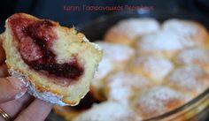 Αφράτα ψωμάκια γεμιστά με μαρμελάδα