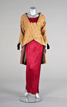 Another jacket clearly showing the influence of Orientalism, this one by Vitaldi Babani. It was made in 1912 and is shown worn over a Fortuny Delphos gown, a piece I will be sure to dedicate a day to in the near future.