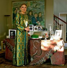 Noble y Real: Farah Diba