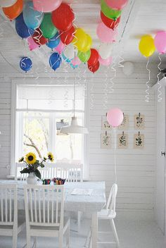 Love the colors in the white room...clever!