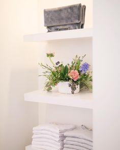 Fresh fleurs  ps. We're open til 8pm tonight!