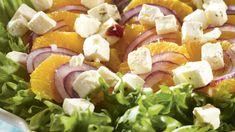 Simppeli Appelsiini-fetasalaatti valmistuu nopeasti vain muutamasta raaka-aineesta. Tuna, Cobb Salad, Food And Drink, Fish, Meat, Pisces, Atlantic Bluefin Tuna