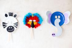 Máscaras de carnaval con platos de cartón | http://www.conbotasdeagua.com/mascaras-de-carnaval-con-platos-de-carton/
