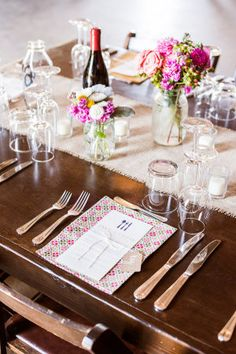 You'll be hard pressed to find another blogger more in love with the Dana-Powers Barn . I did get married there so I may be a wee bit partial to that gorgeous plot of land but one look at this shindig...
