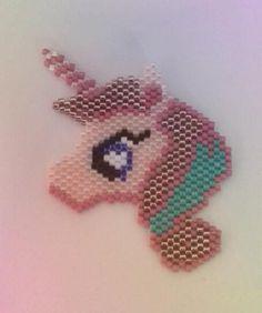 Broche licorne kawai perles miyuki