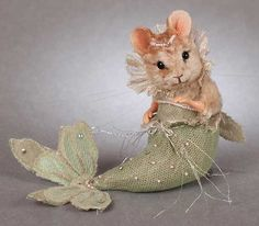 3 The Little Mermaid Mouse by R John Wright Limited Edition 150 Pieces 375 00 Needle Felted Animals, Felt Animals, Animals And Pets, John Wright, Felt Mouse, Cute Mouse, Cute Funny Animals, Soft Sculpture, Felt Art