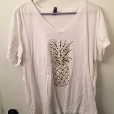 Gold pineapple shirt ⭐️⭐️⭐️⭐️No trades or returns. I do ahowever like to bundle. If you don't like the price please feel free to make an offer and we can go from there. Thanks for shopping and have a great day!⭐️⭐️⭐️⭐️⭐️⭐️⭐️⭐️⭐️⭐️ Tops Tees - Short Sleeve