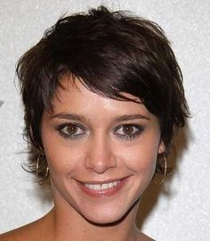 25 Short Wavy Hairstyles For Females | Pinkous