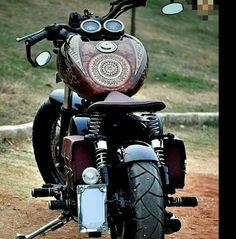 TOP 5 CUSTOM ROYAL ENFIELDS – The world is full of Motorcycles and Custom Builds. Royal Enfield is one of our favorite motorcycles and there are many reasons. Enfield Bike, Enfield Motorcycle, Motorcycle Style, Bobber Motorcycle, Motorcycle Accessories, Custom Bikes, Custom Cars, Custom Motorcycles, Ducati