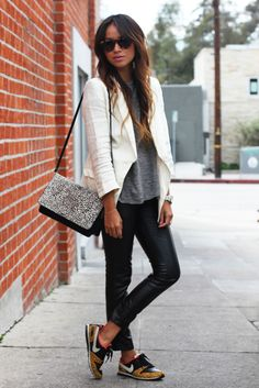 Get the Look : Blazer blanc, legging, sneakers Outfits Leggins, Blazer Outfits, Casual Outfits, Cute Outfits, Fashion Outfits, Fashion Trends, Fashion 2014, Fall Fashion, Sneaker Outfits