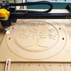 serving tray carving on the Inventables Handles are next Cnc Woodworking, Woodworking Projects Diy, Carpentry, Cnc Router Table, 3d Router, Cnc Wood Carving, Router Projects, Wood Shop Projects, Cnc Milling Machine