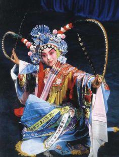 http://www.chinaopera.net/english/upload/Chinese-Opera-Female-Warriors-Wudan.jpg