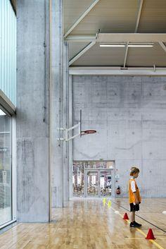 Gallery of Multisports Hall Mouvaux / de Alzua+ - 11
