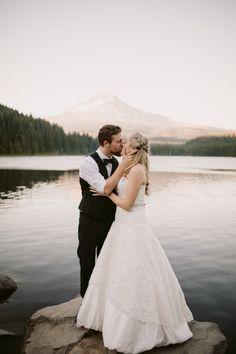 Caleb + Maria Trillium Lake – Julia Green Trillium Lake, Wedding Photography Inspiration, Professional Photographer, Wedding Ideas, Couple Photos, Wedding Dresses, Green, Model, Beauty