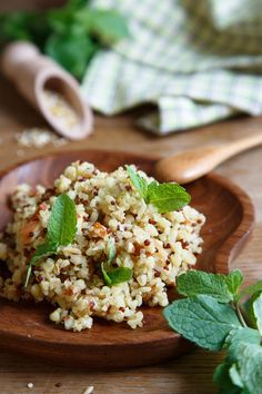 Check out these best quinoa recipes and cooking ideas. Here are 14 ways to make quinoa not boring, including quinoa bowls, quinoa salads, and instant pot quinoa. Protein Diets, Protein Sources, Best Quinoa Recipes, Healthy Recipes, Healthy Foods, Rice Protein Powder, Quinoa Benefits, Clean Eating, Healthy Eating