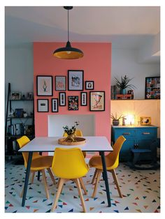Orange Dining Room, Pink Dining Rooms, Dining Room Colors, Dining Room Walls, Dining Room Design, Living Room Decor, Room Chairs, Dining Area, Dining Chairs