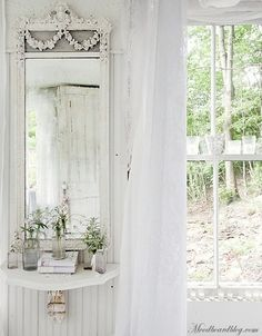 Beautiful! Love the wall mirror