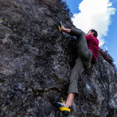 Hardin using his #Ocún diamond bouldering at Stronachlachar, Scotland. Find out more about the diamond shoes at holdbreaker.com #rockclimbing #bouldering