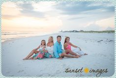 pinks and blues - softer Family Beach Portraits, Family Beach Pictures, Family Portrait Photography, Beach Photography, Family Pictures, Extended Family Photos, Kid Pictures, Sunset Images, Picture Poses