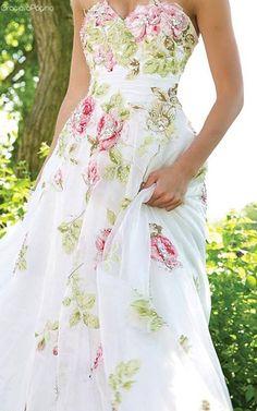 By Solange Maria Soccol Casual Dresses, Fashion Dresses, Summer Dresses, Tea Dresses, Jane Austen, Floral Fashion, Women's Fashion, Beautiful Gowns, Pretty Dresses