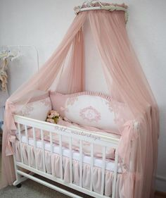 New shabby chic bedroom girls decoration beds Ideas Baby Room Diy, Baby Nursery Decor, Baby Bedroom, Baby Decor, Girls Bedroom, Girl Nursery, Baby Crib Bedding, Baby Bassinet, Baby Cribs
