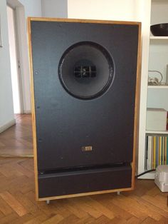 Vintage in english Open Baffle Speakers, Horn Speakers, Monitor Speakers, Diy Speakers, Floor Standing Speakers, Altec Lansing, Loudspeaker, Classic House, Audiophile