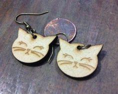 Recyceltem Holz Ohrring Happy Katze