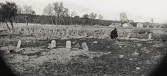 JOHN BANKS' CIVIL WAR BLOG: Exploring photo of soldiers' graves at Rebel prison in Richmond