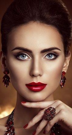 - you're invited - Most Beautiful Faces, Beautiful Lips, Beautiful Girl Image, Gorgeous Women, Beauty Makeup, Eye Makeup, Beautiful Female Celebrities, Natural Lipstick, Model Face