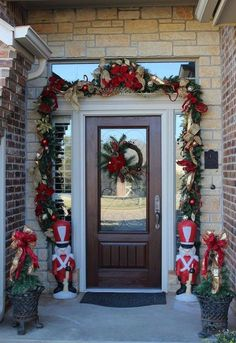 Joyful Front Porch Christmas Decoration Ideas Home Ideas Front Door Christmas Decorations, Christmas Front Doors, Christmas Porch, Simple Christmas, Christmas Crafts, Holiday Decor, Christmas Ideas, Christmas Entryway, Christmas Ornaments