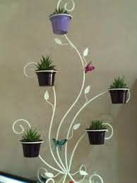 They're simple as well as versatile, can be cost-conscious and also issue fixing, and also work in practically every space. Here are motivational suggestions for using open shelving House Plants Decor, Plant Decor, Apartment Herb Gardens, Garden Art, Garden Design, Beautiful Home Gardens, Wrought Iron Decor, Front Gardens, Flower Stands