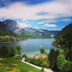 Grundlsee in Steiermark Beautiful Places In The World, Beautiful Scenery, Visit Austria, Heart Of Europe, Winding Road, Central Europe, Alps, Italy Travel, Resorts