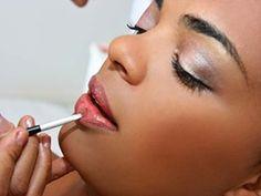Truques de maquiagem para a pele negra Bridal Hair And Makeup, Hair Makeup, Face E, Lipstick, Beauty, Jewelry, Peles, Vlog, Mac Makeup Application
