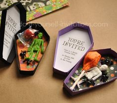 Create unique coffin invites with our free printable Halloween invitations. Use our printable template to make homemade paper coffins that double as a treat box and invitation. Includes box template and cusotmizable invitation wording template. Halloween Party Kinder, Halloween Cards, Holidays Halloween, Halloween Decorations, Halloween Coffin, Spooky Halloween, Happy Halloween, Halloween 2020, Spirit Halloween